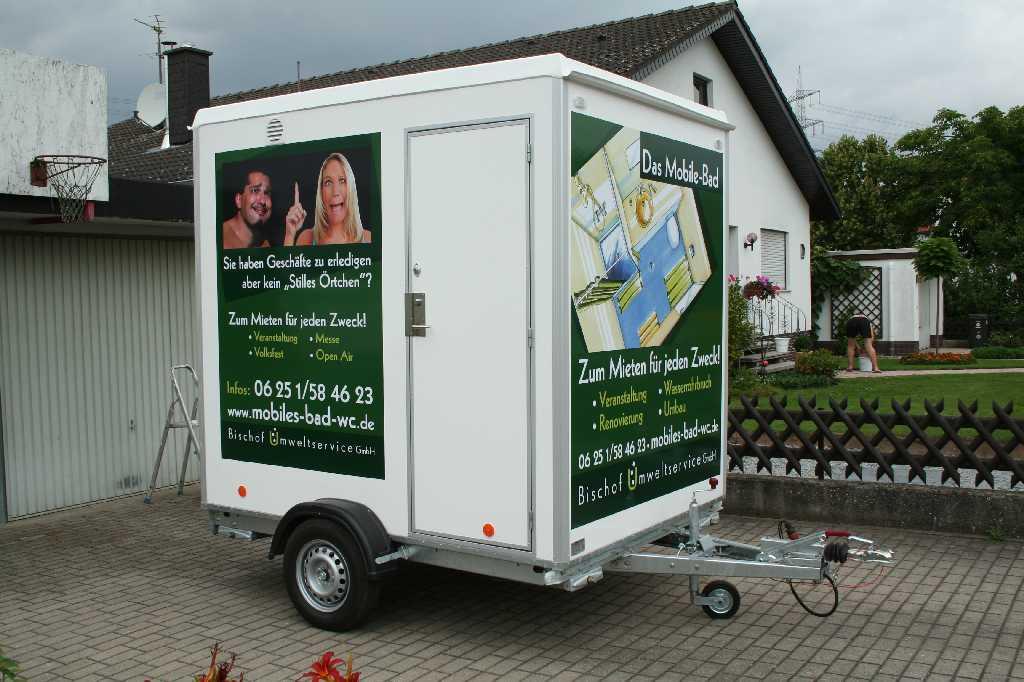 WC Wagen Beschriftung 4c Digitaldruck mit Laminat