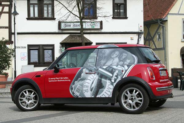 Fahrzeug Vollverklebung (Fenster mit Lochfolie)