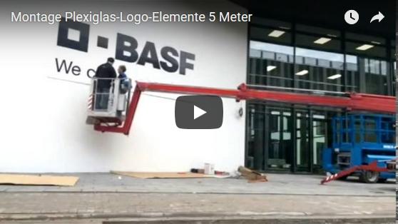 Montage Plexiglas-Logo-Elemente 5 Meter