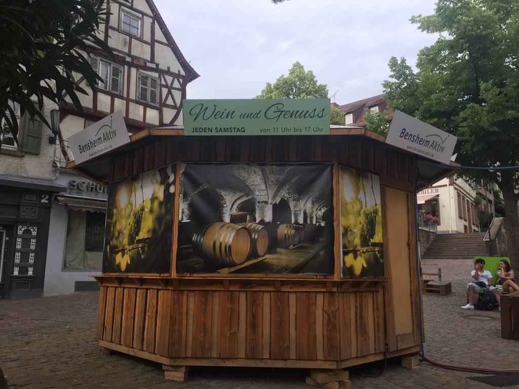 Werbeschilder Weinpavillon